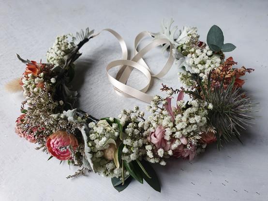 black-shed-bridal-flower-crown