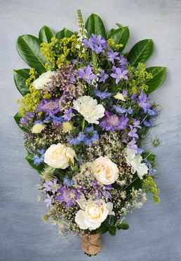 black-shed-funeral-flowers.2