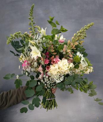 black-shed-wedding-flowers-bridal-bouque