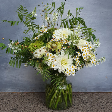 summer-arrangement-black-shed-flowers-3.