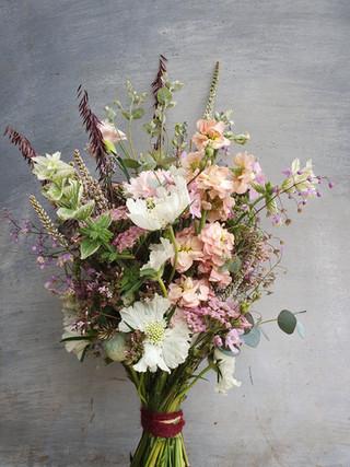 summer-bridesmaids-bouquet-black-shed.4