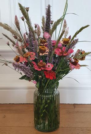 autumn-arrangement-black-shed-flowers.jp