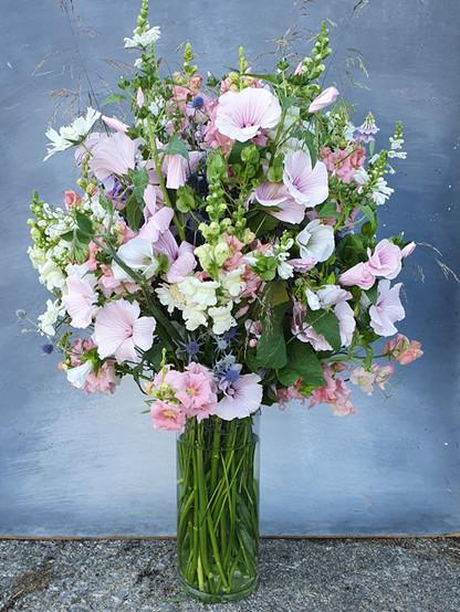 summer-flowers-arrangement-black-shed-fl
