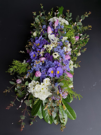 primrose-funeral-flowers-black-shed