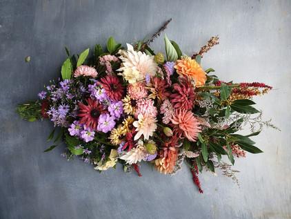 dahlia-autumn-funeral-flowers-black-shed