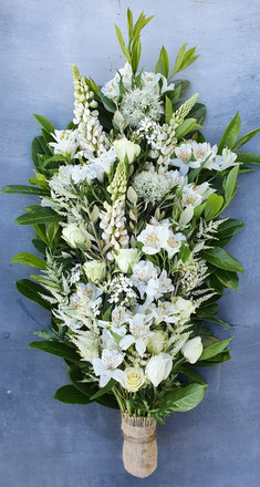 white-summer-funeral-flowers-black-shed