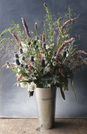 eryngium-grasses-summer-arrangement-blac