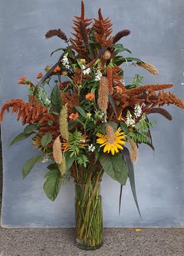 summer-arrangement-black-shed-flowers-2.