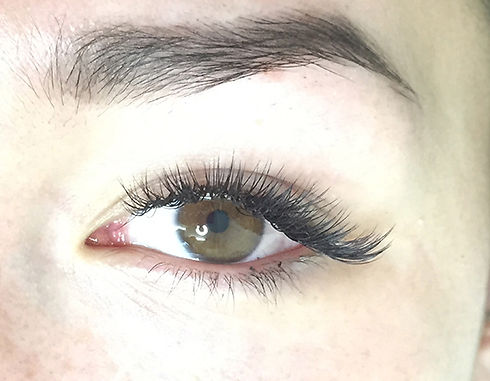 closeup-3d-russian-volume-lashes.jpg