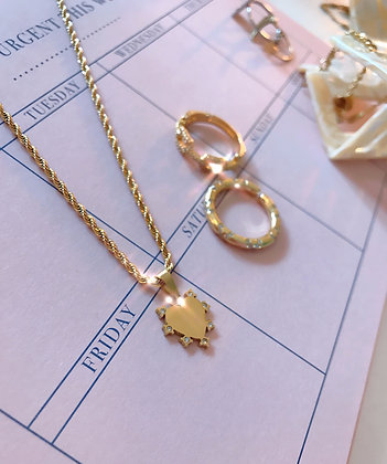 Frosty Heart Necklace Gold