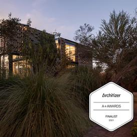 Una Casa en los Andes, finalista en 3 categorías de los Premios Architizer A+
