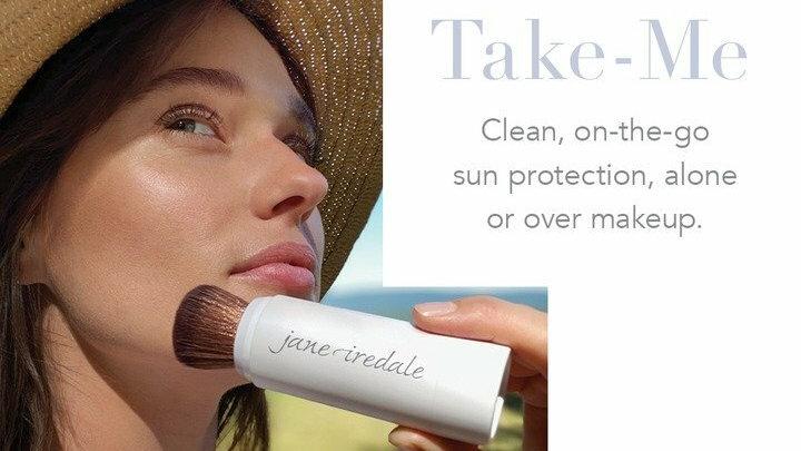 Powder-Me SPF 30 Dry Sunscreen Refillable Brush