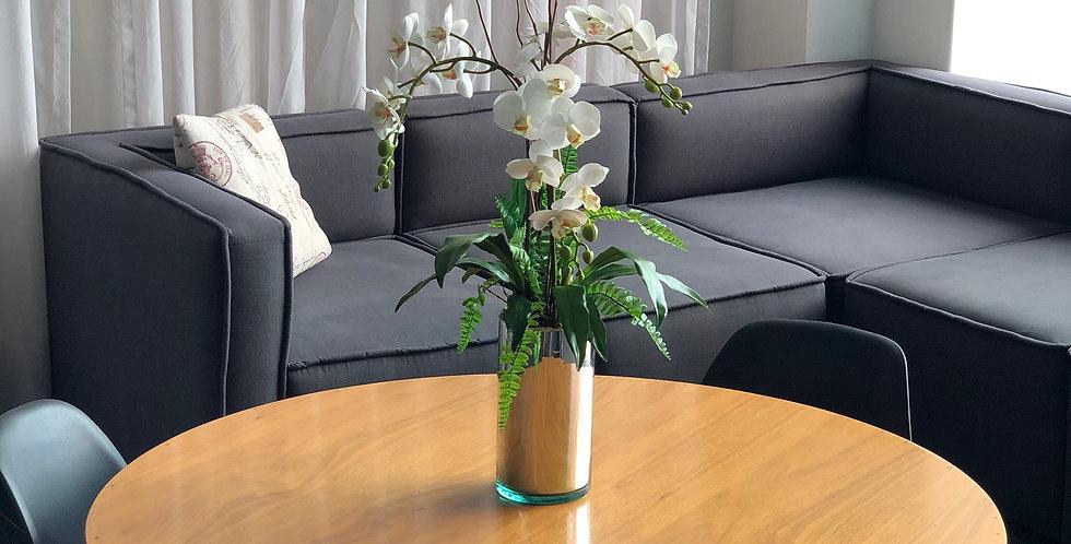 Triada de orquídeas tiny en cilindro platinado de vidrio soplado