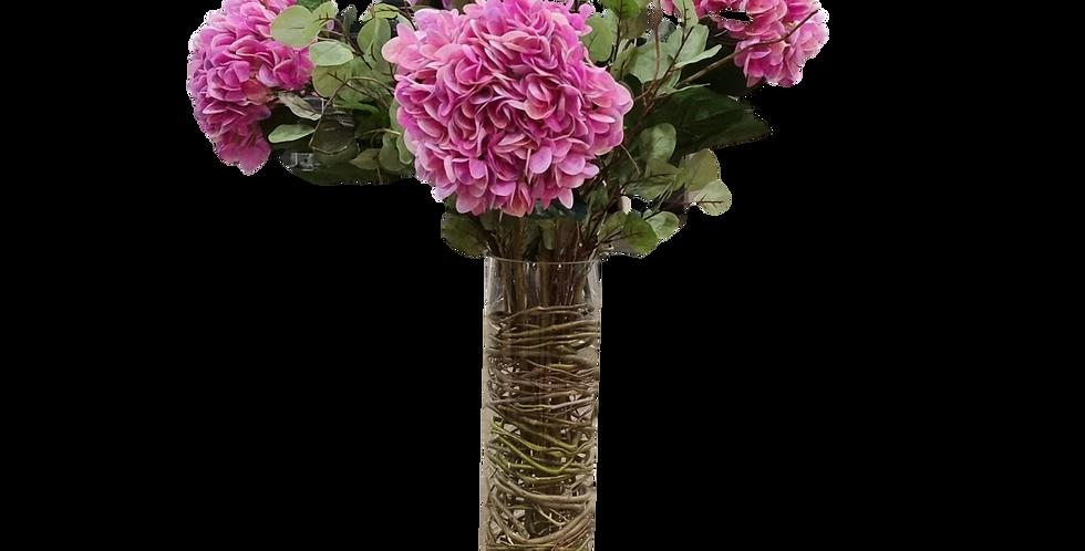 Arreglo de 5 hortensias en cristal.
