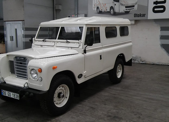 Land Rover Series 109