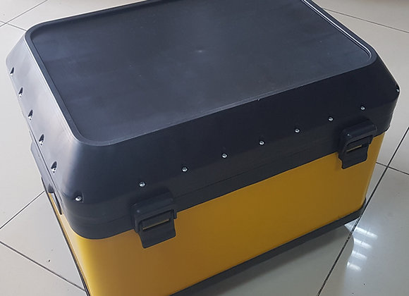 Camp and offroad storage box