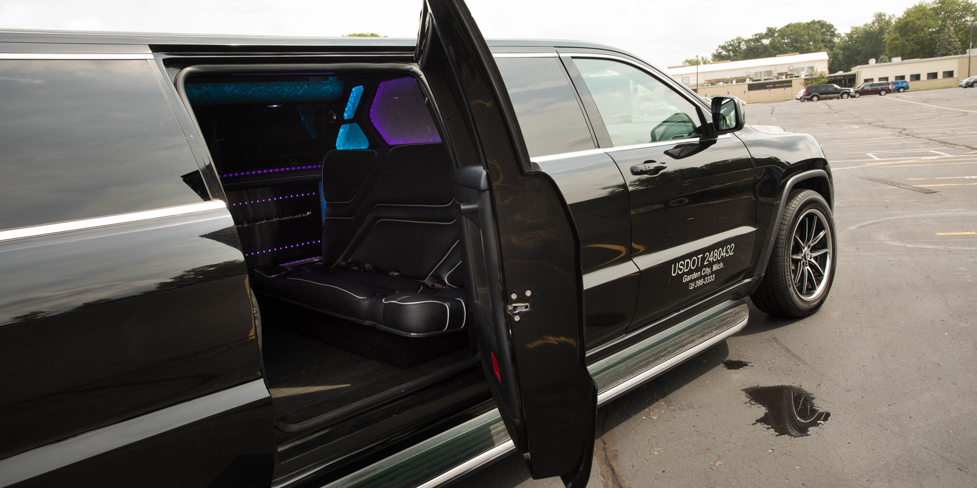 Jeep Limo Exterior 4