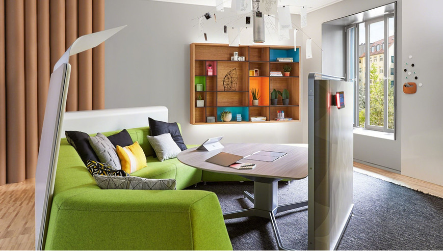 Mediascape Lounge 6.JPG