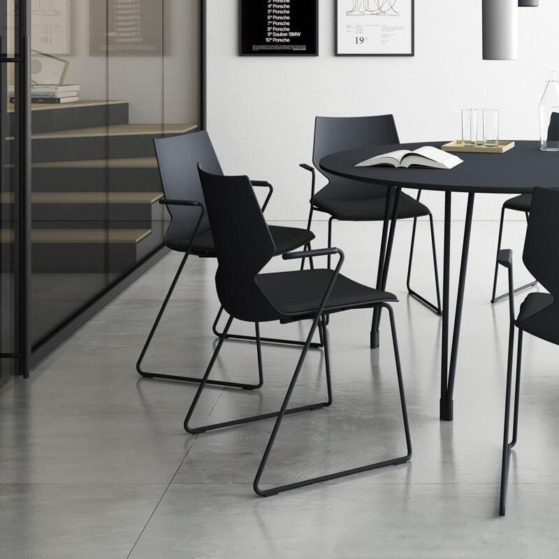 konfurb-fly-sled-meeting-chair.jpg