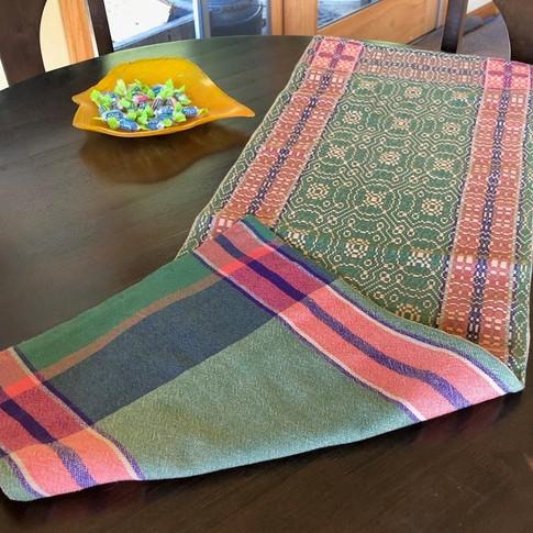 Overshot fall table runner (woven)
