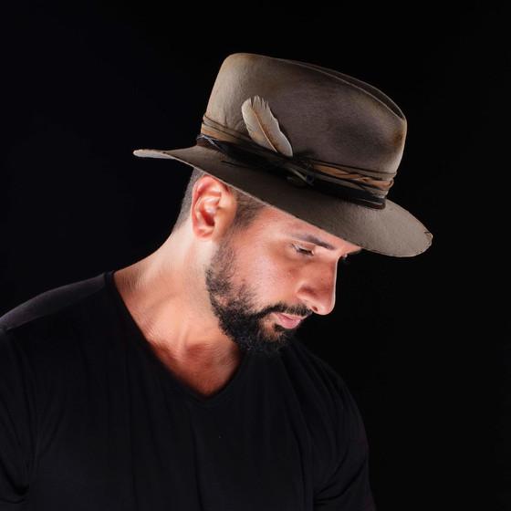 Gabriel Wickbold chapéu Graciella Starling