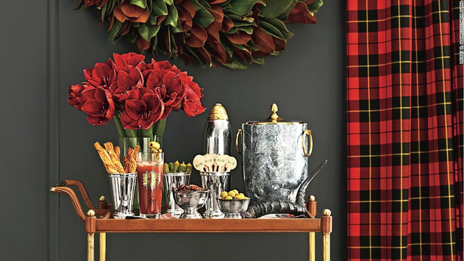 How to Style your Bar Cart for the Holidays