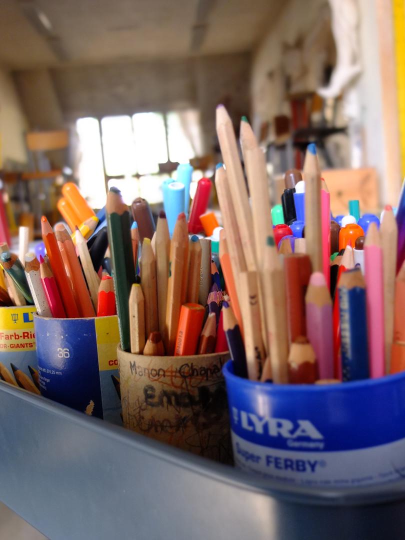 Arts plastiques à l'école.JPG