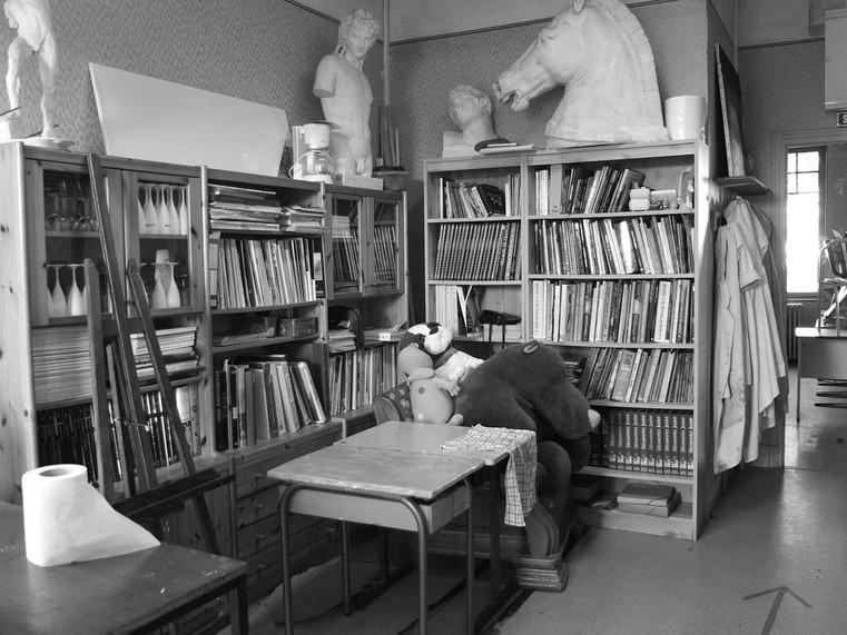 Une bibliothèque artistique.JPG