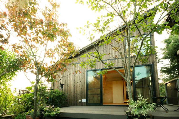 小屋 焼杉の外壁