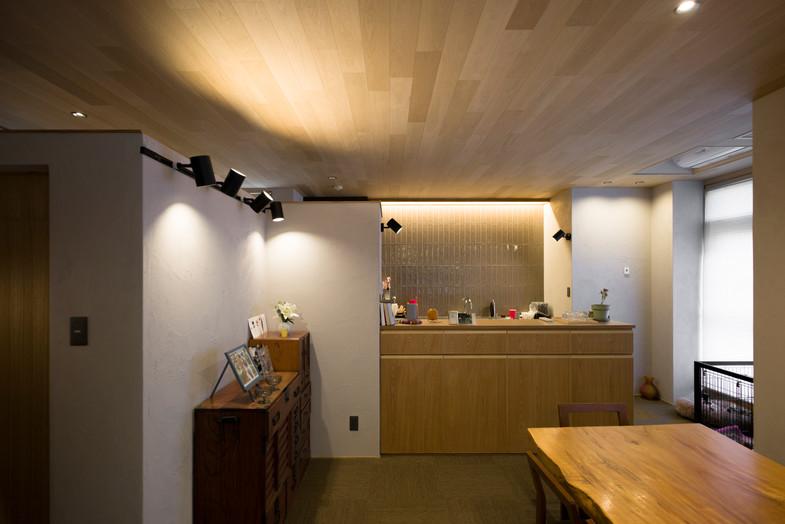 食堂→台所