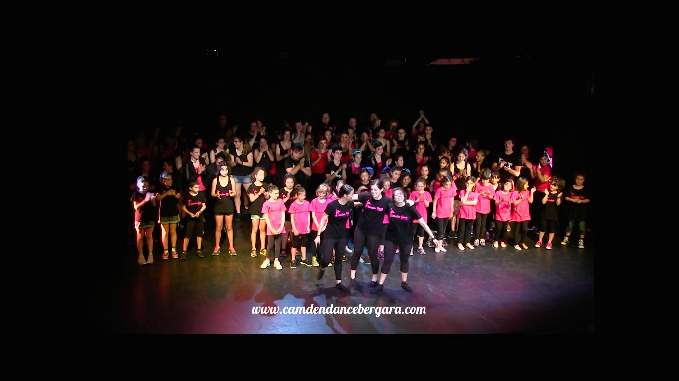 camden town academia de baile bergara aurresku.png