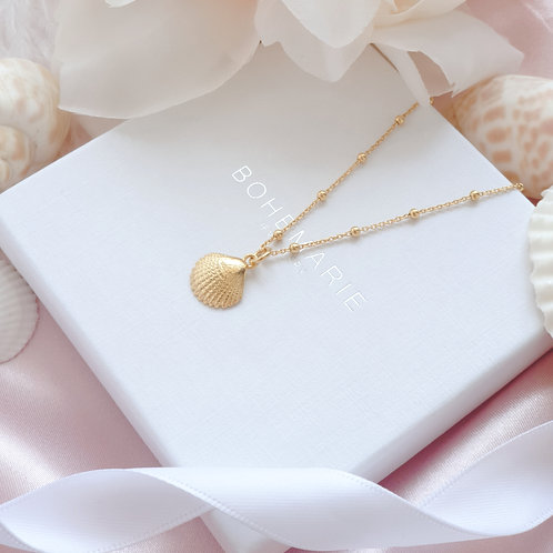 Gold plated seashell charm layering necklace