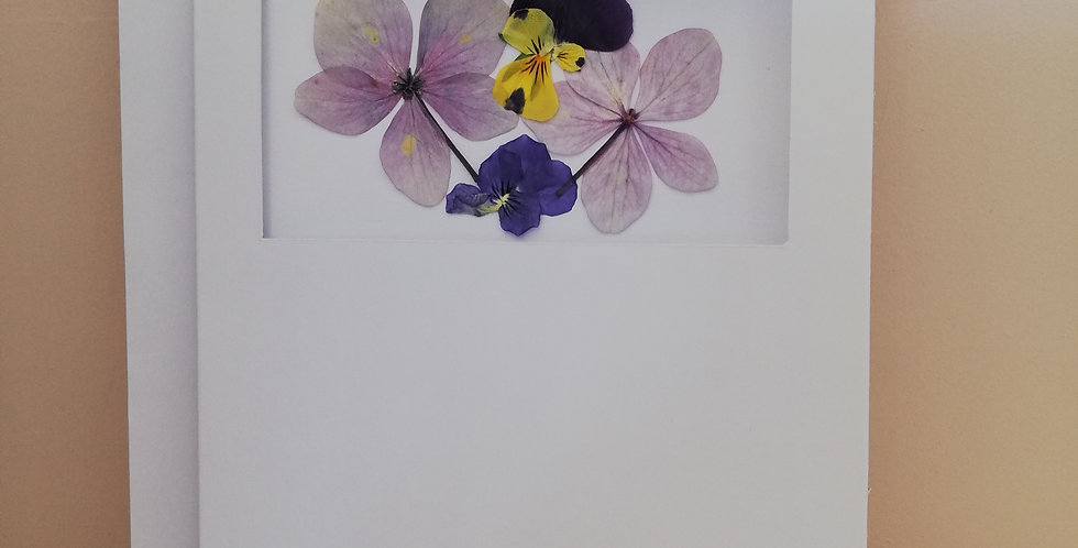 The Dreamy Bee- Pressed flower card