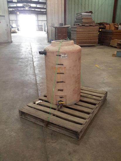 65 Gallon Vertical Poly Tank