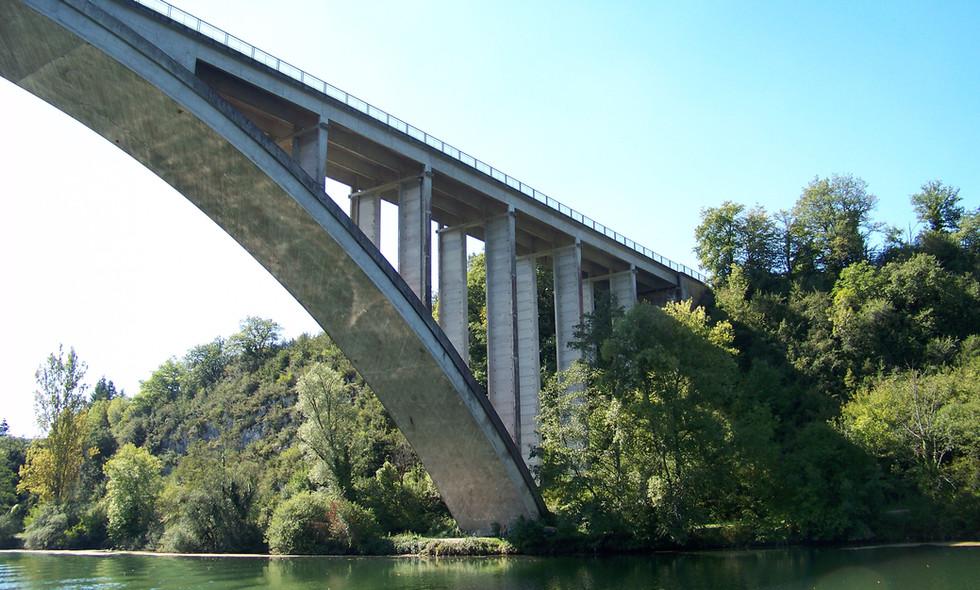 Pont de serriere Chambod Bateau (2).JPG