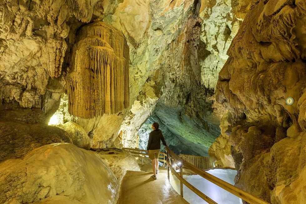 Copie de GALERIE-Grottes du Cerdon.jpg