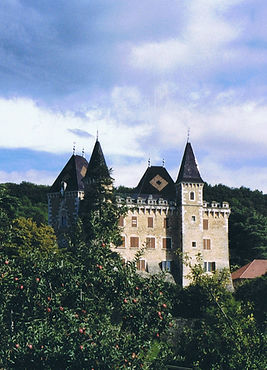 St-Jean-le-Vieux_Varey_ch%C3%A2teau_2006