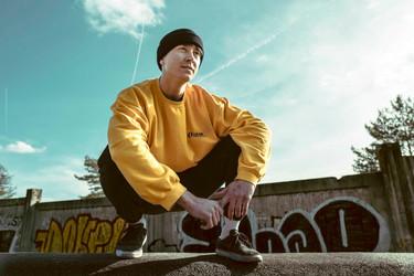 Mangoshake portrait skateboarding