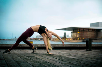 Mangoshake portrait yoga girl