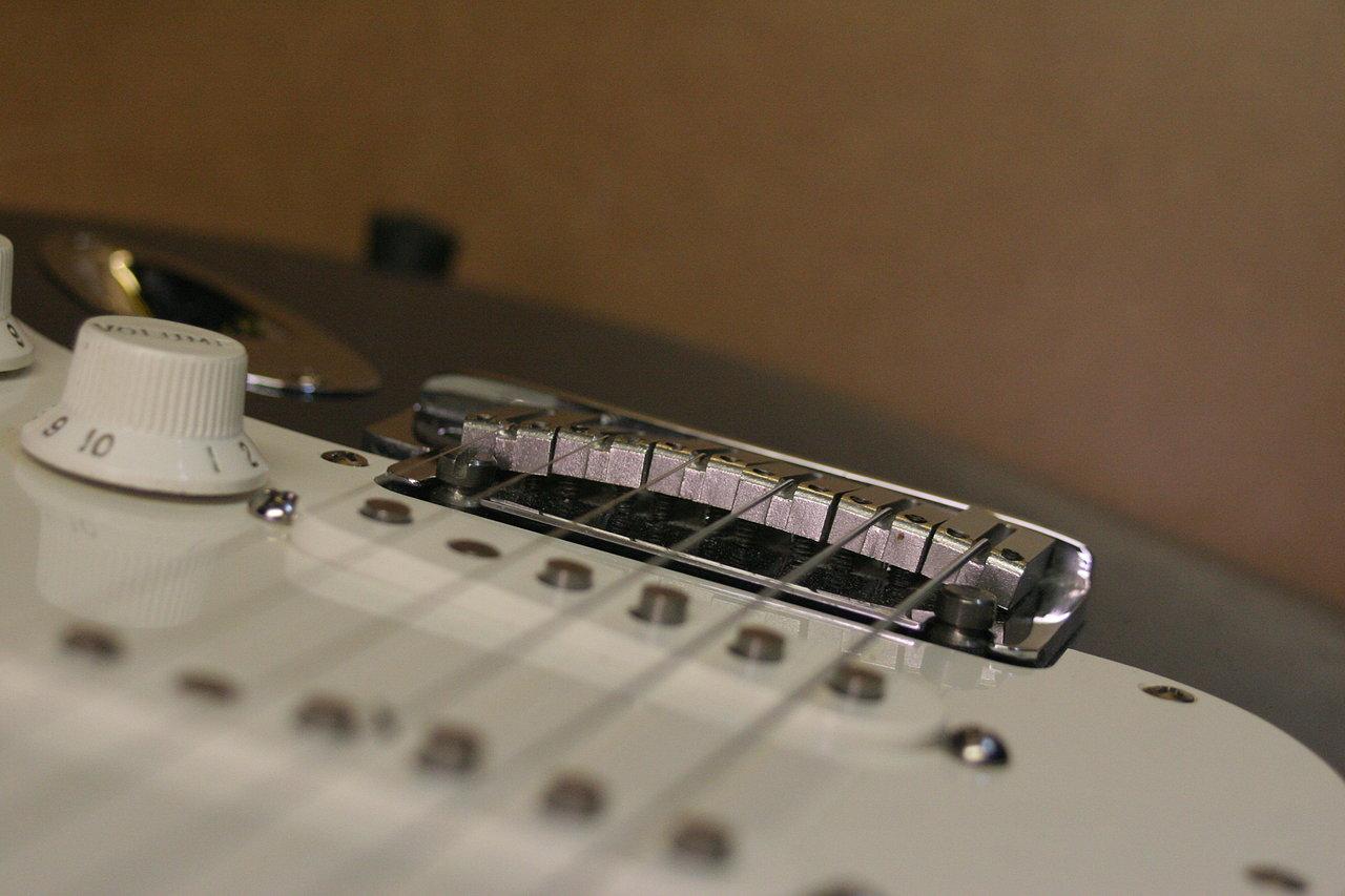 Fender+Strat+repair+10.JPG