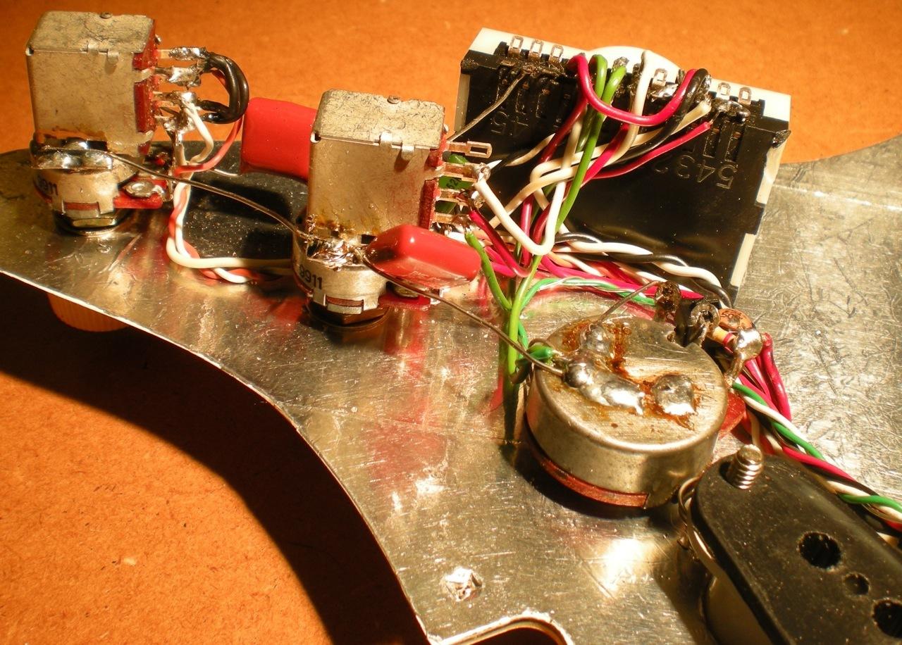 18.Custom+Strat+Wiring.jpg