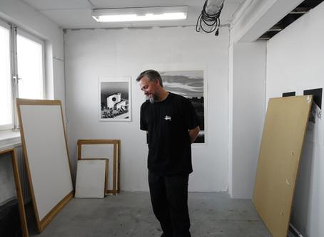 Erik Kihlbaum utforskar balansen mellan det vackra och det skeva