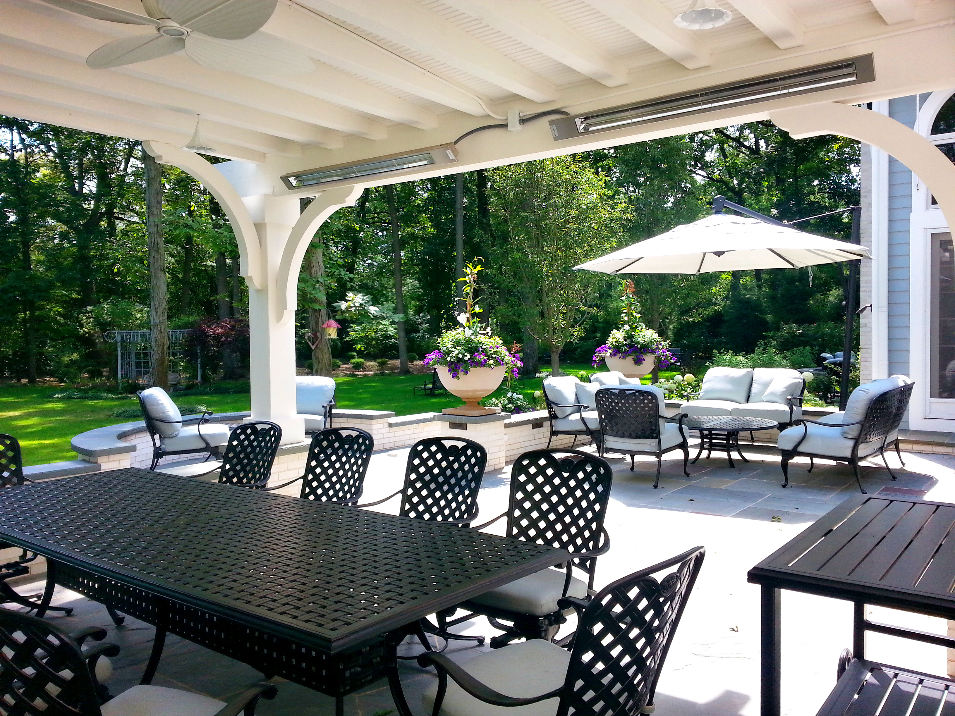 Lake Forest Design Heated Patio