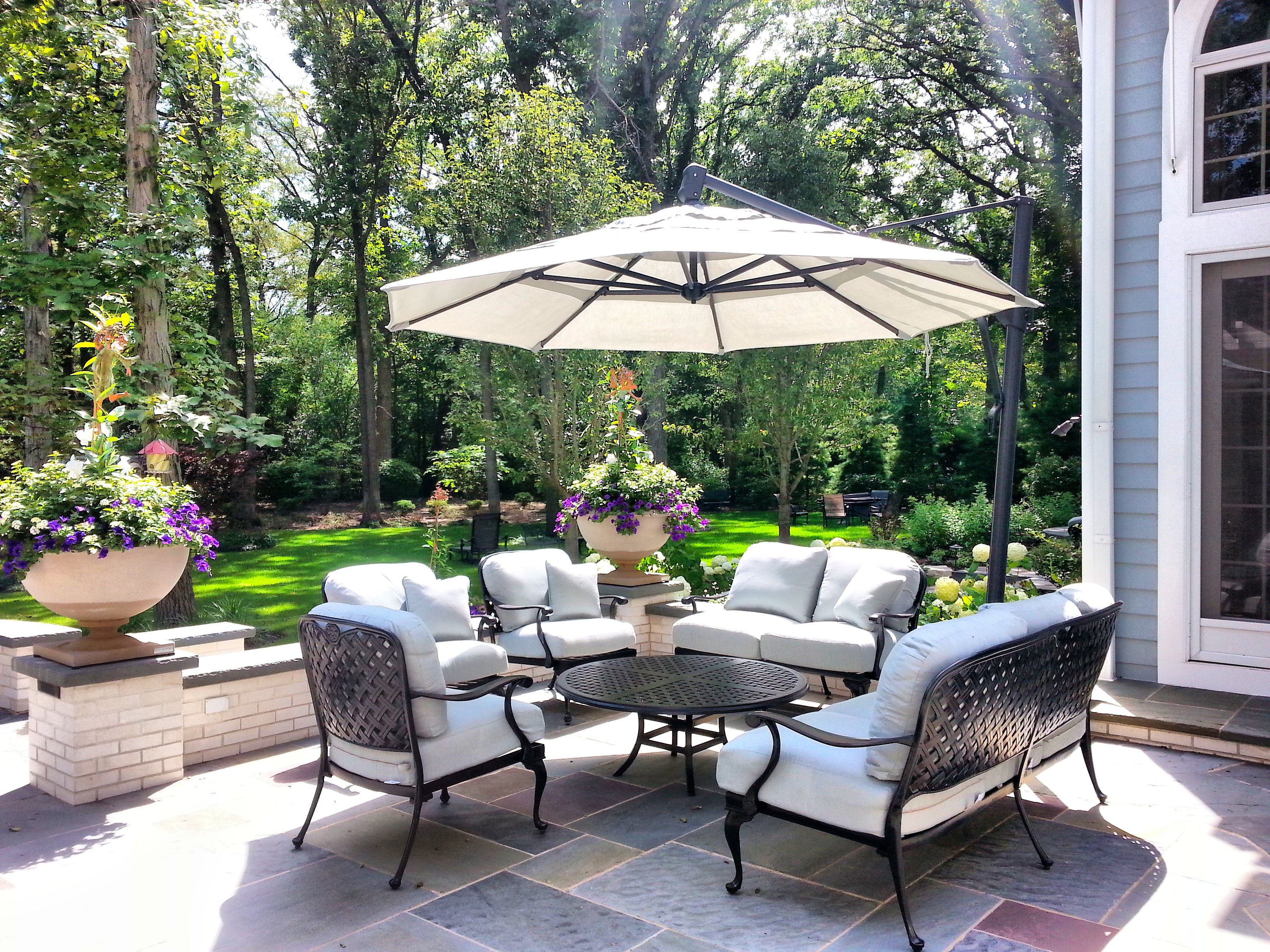 Lake Forest Outdoor Furniture Design