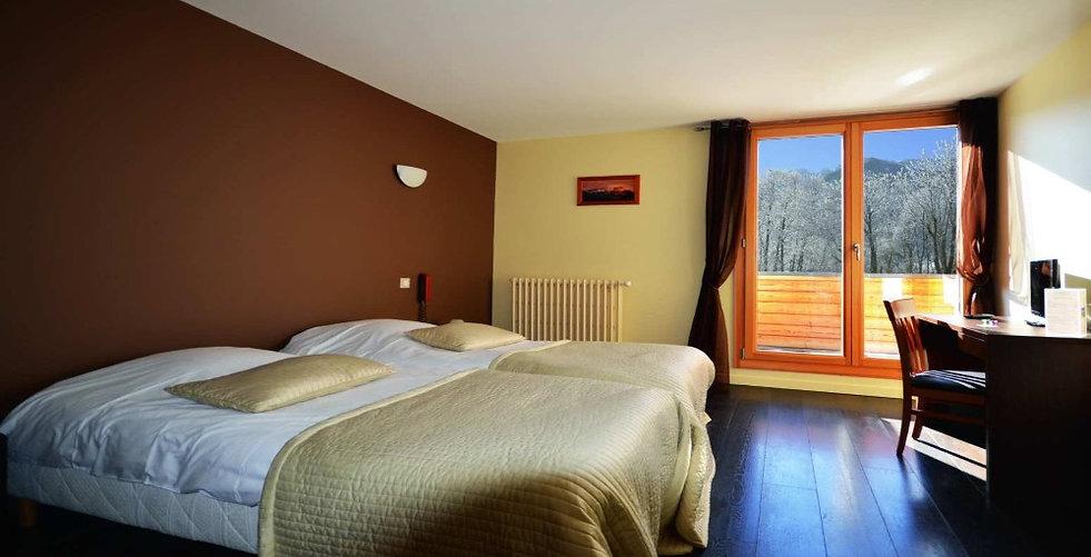 hotel-au-gai-soleil-mont-aiguille_edited.jpg