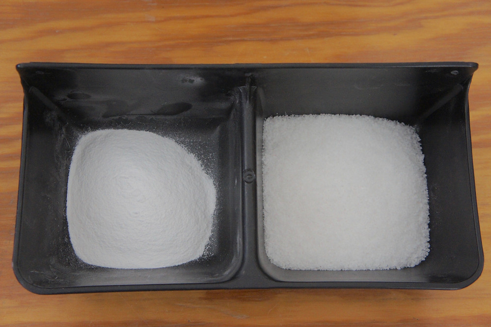 Di-magnesium Malate on the left and white salt on the right.