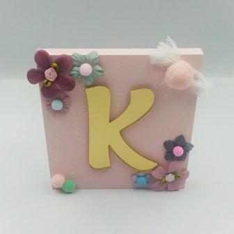 Καδράκι ροζ με plexiglass γράμμα