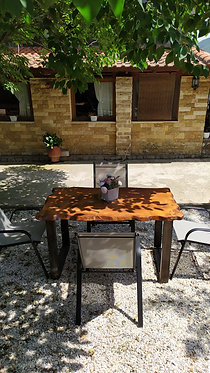 Ξύλινο Τραπέζι με ξύλινα πόδια