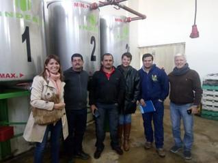 Visita de apicultores extranjeros a Rauch