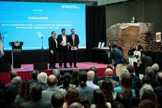 Un estudio sobre abejas nativas liderado por INTA Famaillá recibió el premio Fidel Antonio Roig